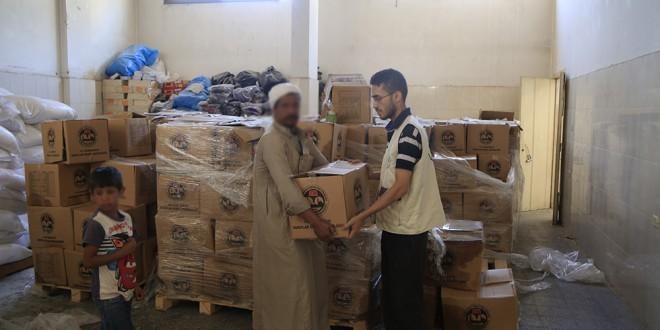 الجمعية الإسلامية توزع مساعدات عينية على الأسر الفقيرة