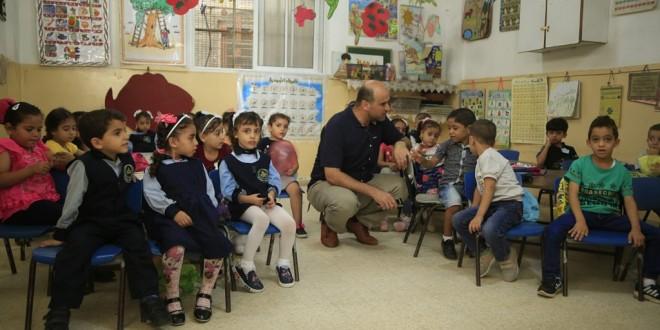 مدير الجمعية الإسلامية يتفقد رياض الأطفال بأول يوم للعام الدراسي الجديد 2018/2019 م