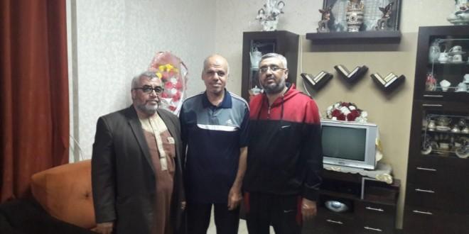 وفد من الجمعية الإسلامية يزور سعد الله أبو عيطة بعد عودته من مصر