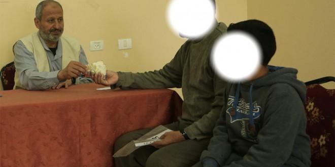 """""""الجمعية الإسلامية"""" توزع كفالات أيتام على 95 أسرة"""